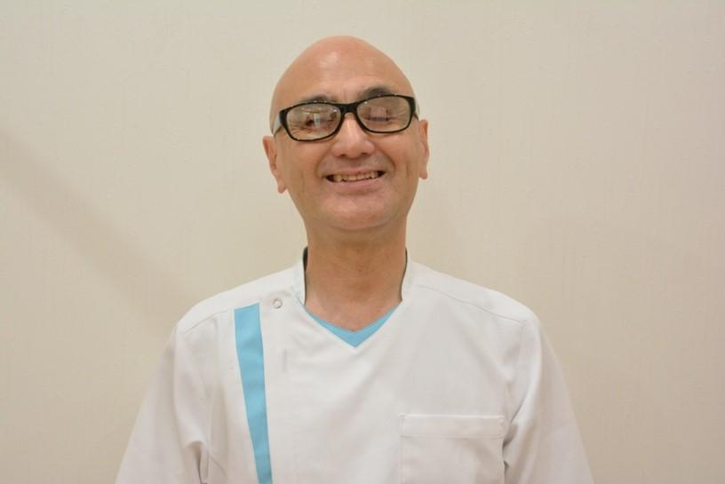 つるみ治療院   院長 鶴見 勝司 先生
